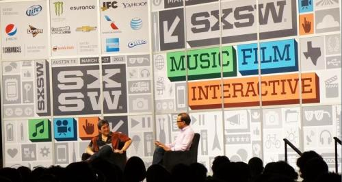 Guy Kawasaki interviewing Amit Singhal at SXSW 2013.  Photo: Victoria Harres.